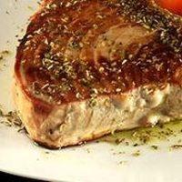 Steak de ton cu salata