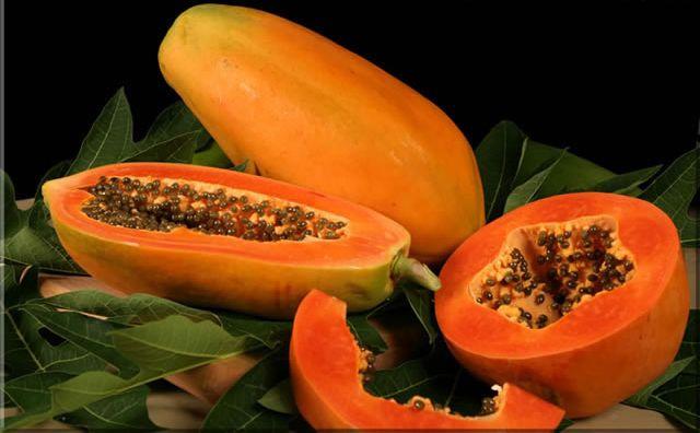 Salata de papaya verde