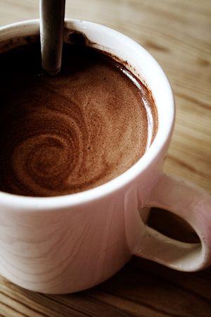 Cum_se_prepara_o_ciocolata_calda_perfecta