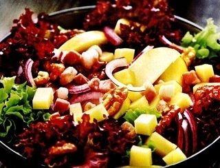 Salata de mere cu morcovi si chimen
