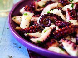 Caracatita marinata la gratar cu usturoi
