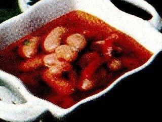 Ciorbă de fasole boabe cu sfecla rosie