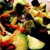 Salată de varză de Bruxelles cu morcovi si curmale