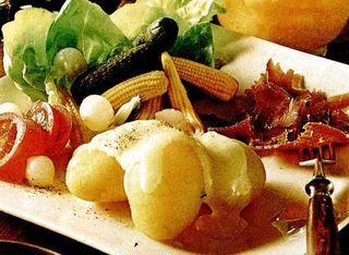 Branza Raclette cu cartofi fierti
