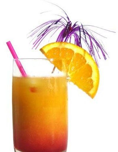 Cum se prepara Cocktail Tequila Sunrise