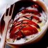 Roşii gratinate cu mozzarella şi busuioc