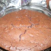 Sufleu_de_ciocolata_cu_inghetata_de_vanilie_si_topping_de_caramel_19