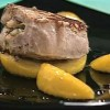 Cum se prepara Medalion de porc umplut cu mar si salvie (video)