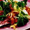 Salată cu pesto şi caise
