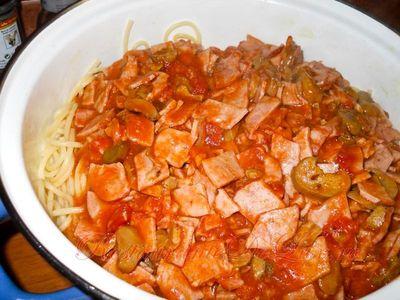 Spaghete milaneze cu sunca si ciuperci