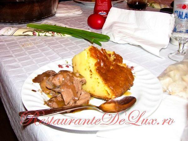 Prajitura_cu_lapte_inghetata_de_ciocolata_si_topping_de_caramel_25