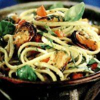Spaghete_cu_scoici_si_busuioc