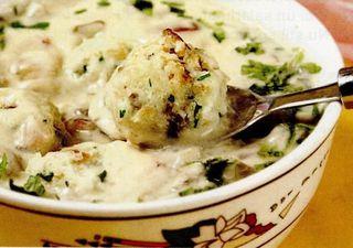 Supa de ciuperci cu galuste de paine
