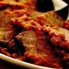 Friptură inăbuşită de vită cu sos de roşii