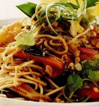 Salata_de_taitei_cu_legume_in_stil_chinezesc