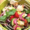 Salata delicioasa de vara cu seminte de pin