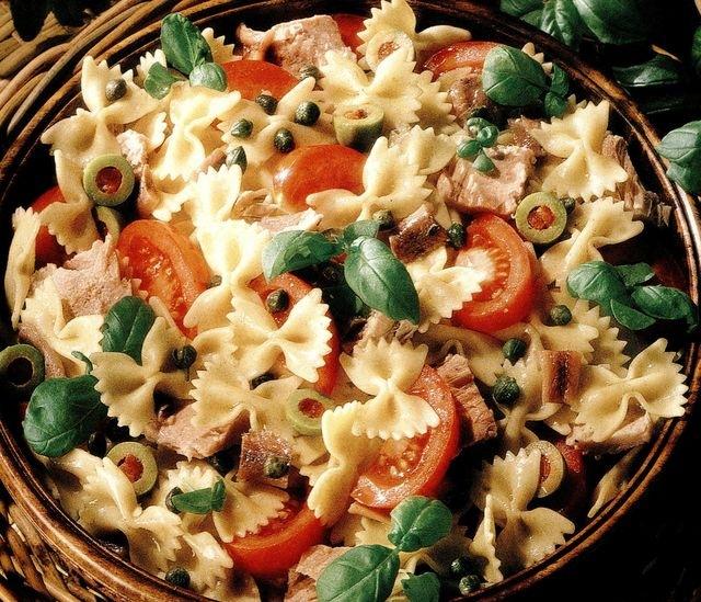 Salata italiana de paste cu peste