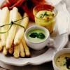 Sparanghel cu trei sosuri