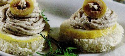 Tartine delicioase cu pasta de sardele