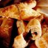 Cornuri umplute cu legume, mozzarella şi jambon afumat