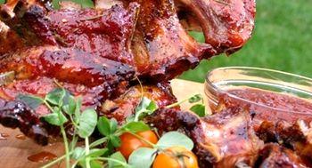 Costiţe de porc cu sos tabasco şi porumb