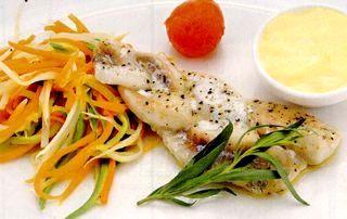 File de peşte impletit cu coaja de portocala si morcovi