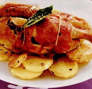 Pui la cuptor cu cartofi