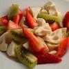 Salată racoritoare de kiwi, căpşuni si ananas