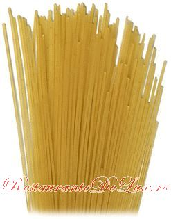 Spaghete cu sos condimentat