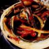Minitarte cu dovlecei, ardei gras şi mentă