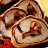 Rulouri de viţel cu parmezan în crustă de aluat