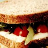 Sandviciuri din pâine integrală cu cremă de brânză
