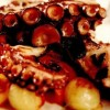 Caracatiţă friptă, cu ardei şi cartofi in sos dulce-acrişor