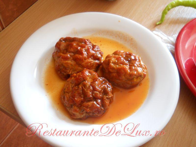 Reteta zilei: Chiftelute la cuptor cu sos