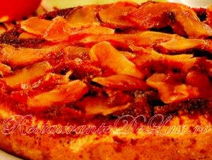 Tort_cu_mere_si_zahar_ars