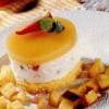 Tortuleţ cu spumă de iaurt şi fructe de vară