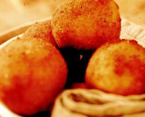 Bulete de cod sărat şi cartofi