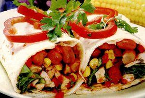 Burritos cu fasole rosie si piept de pui