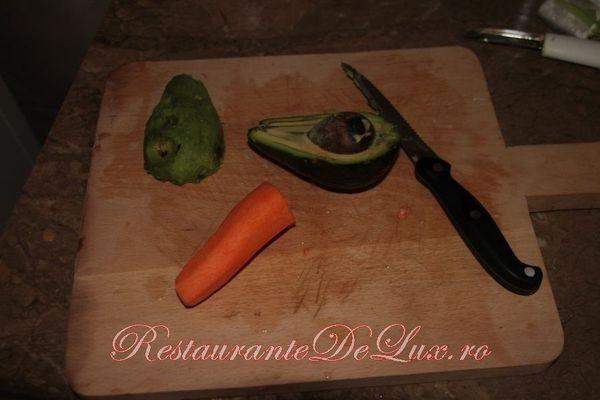 Cuscus cu avocado si carne de pui