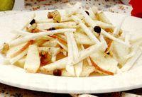 Salata cu telina, mere si nuci
