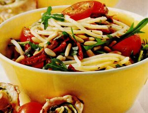 Salata de spaghete cu rosii cherry