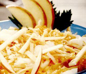 Salată de ţelină cu morcov şi măr