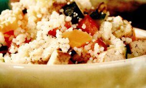 Tabouleh din cuşcuş cu legume şi tofu