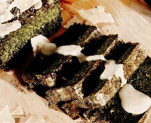 Terină de spanac cu sos de caşcaval
