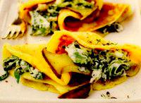 Clătite umplute cu ciuperci şi cremă de urdă cu verdeaţă