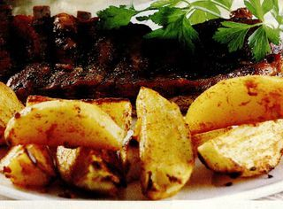 Coasta de porc cu cartofi picanti