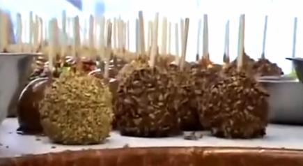 Cum se prepara Mere caramelizate delicioase (video)