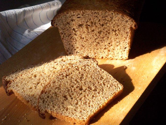 Tort cu blat din pâine graham