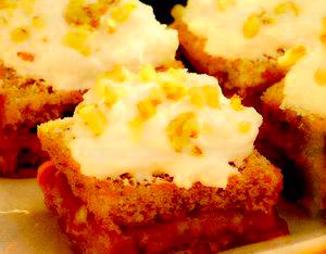 Prăjitură cu nuci şi cremă de scortisoară