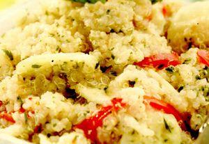 Quinoa cu roşii şi castraveţi